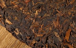 熟茶)离地发酵与传统发酵的区别